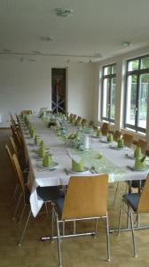 Tischdekoration im Waldheim
